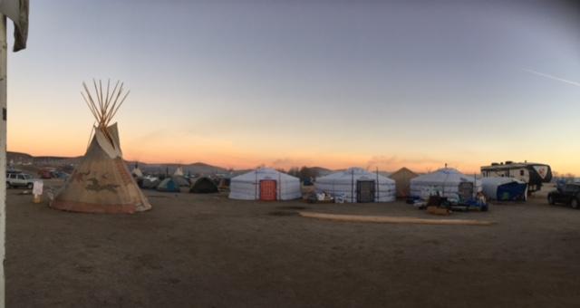 Click image for larger version  Name:yurt standingrock.JPG Views:137 Size:46.5 KB ID:947